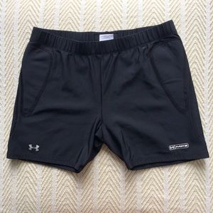 L Under Armour Athletic Shorts